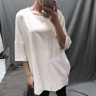 九成新—白色厚雪紡上衣