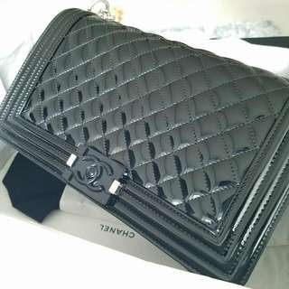 Chanel Boy Medium 28cm