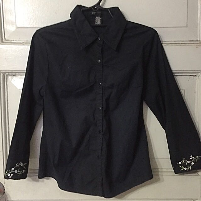 Black Button-down 3/4s
