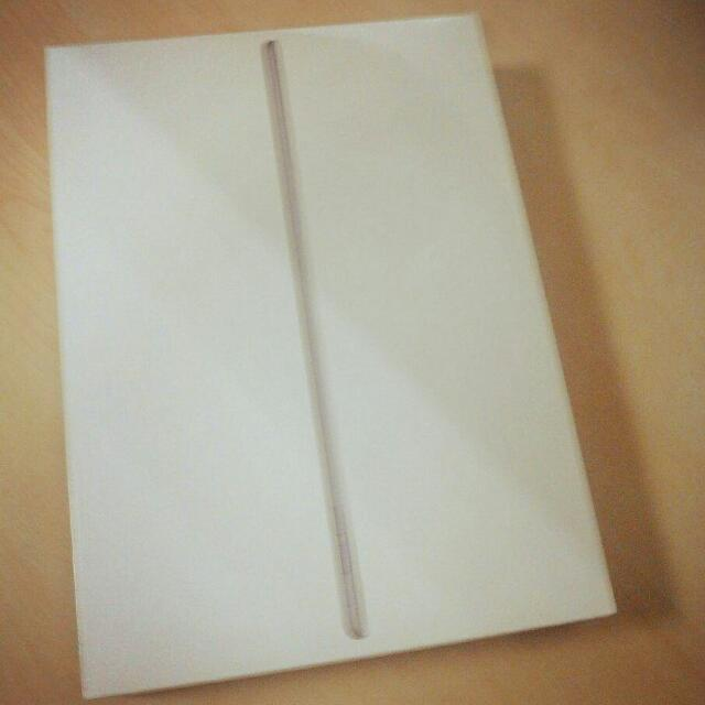 BRAND NEW iPad Air 2 32GB Wi-Fi Space Gray