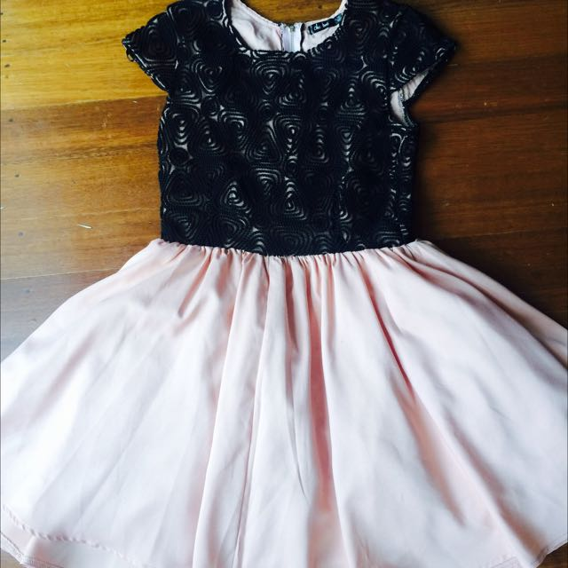 Chicabooti lace dress