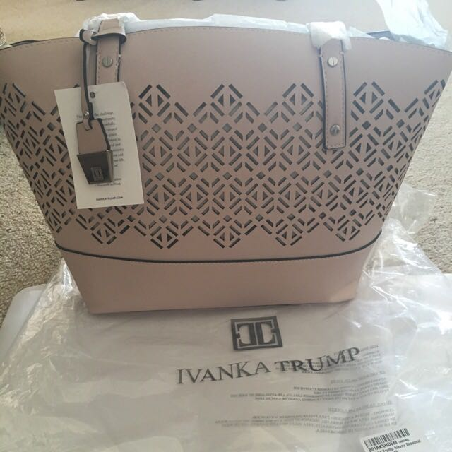 👛IVANKA TRUMP ALEXEY SHOPPER BAG