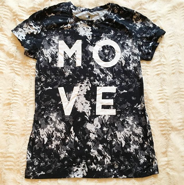 Joe Fresh Athletic Wear T-shirt - Medium