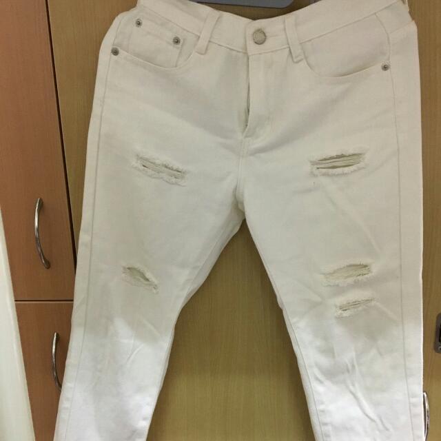 白色時尚破褲s
