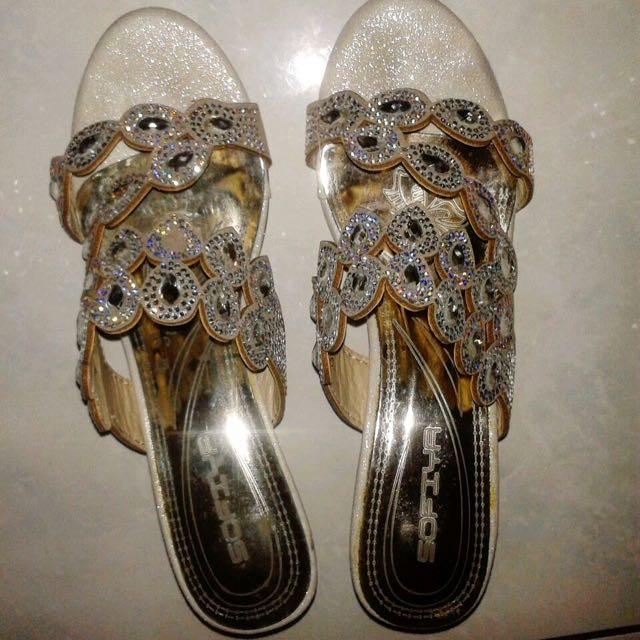 Sandal Pesta