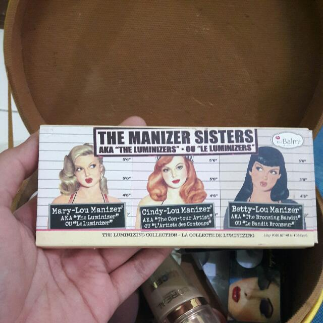 The Balm : THE MANIZER SISTERS AKA THE LUMINIZERS