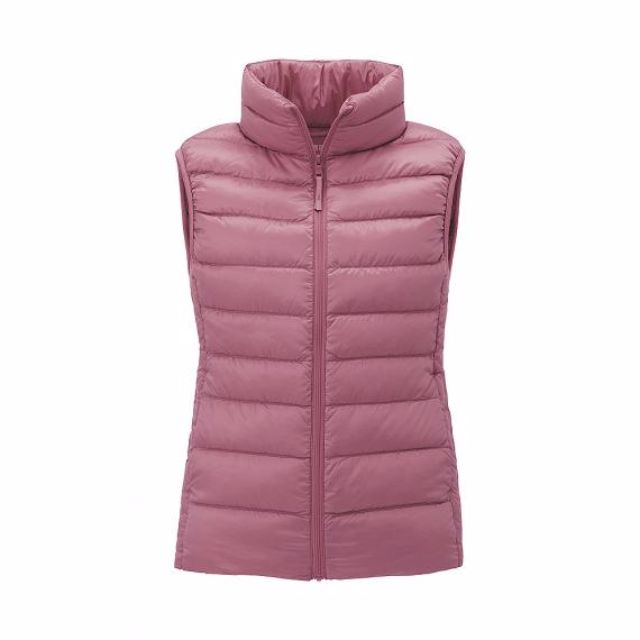 Uniqlo Women Ultra Light Down Vest in purple XS size 8