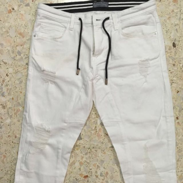 08cc8d0b0e Zara white denim jeans, Men's Fashion, Clothes on Carousell