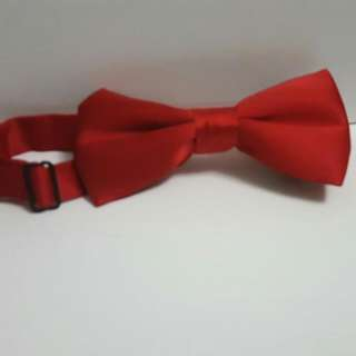 Red clip on bowtie H&M