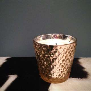Water Lily Scented Luxury Candle