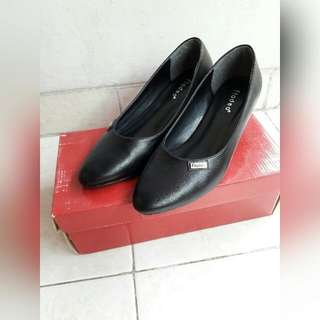 Sepatu Fladeo