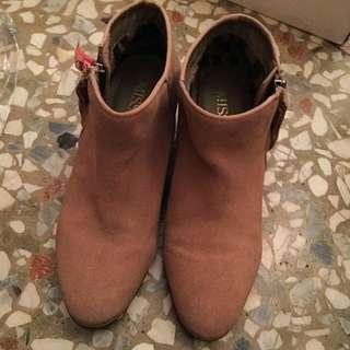 Miss 21 低跟 踝靴(22.5-23皆可穿下)