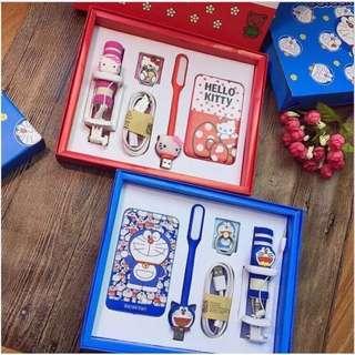 🌟現貨🌟限時搶購🎉🎉🎉卡通可愛超薄Kitty叮噹手機行動電源大禮盒🎁