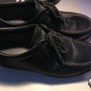 Sepatu Pria Redwing