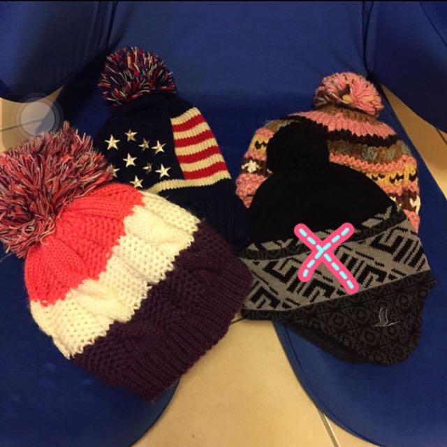 冬天帽子每個8O-1OO