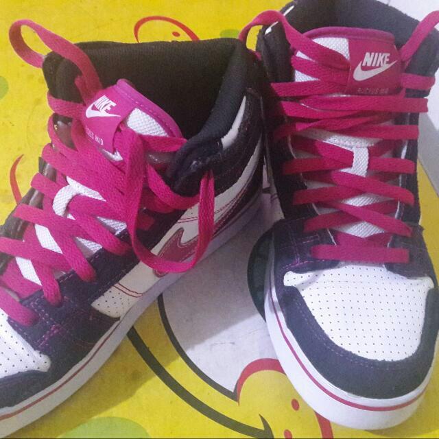 Athentic/Original NIKE shoes