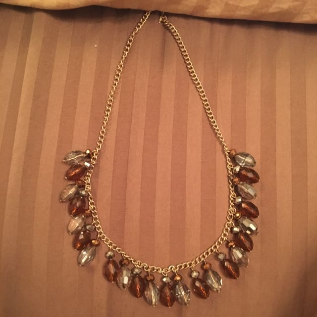 Bead Necklace With Earnings