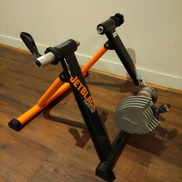 Jetblack z1 fluid Cycling trainer