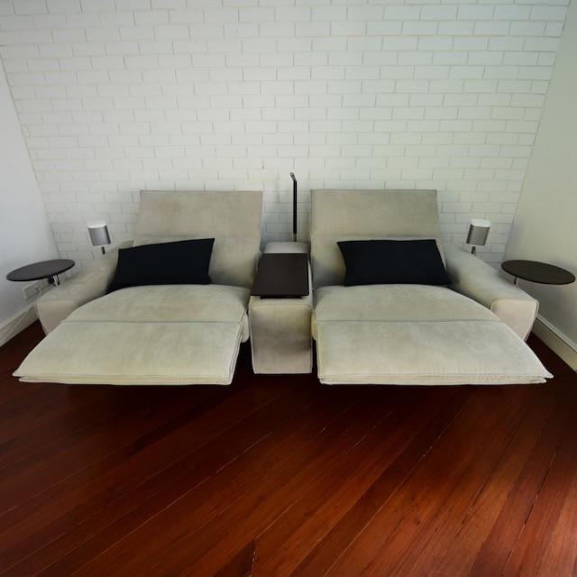 King Cloud II Media Sofa