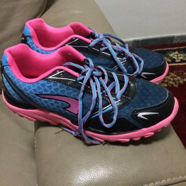 Kronos Running Shoes