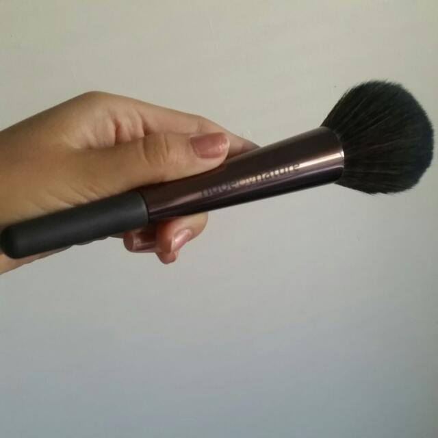 large powder brush - nude by nature