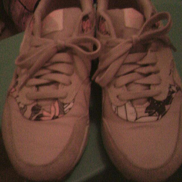 Limited Edition Nike Size 8 Shoes $70