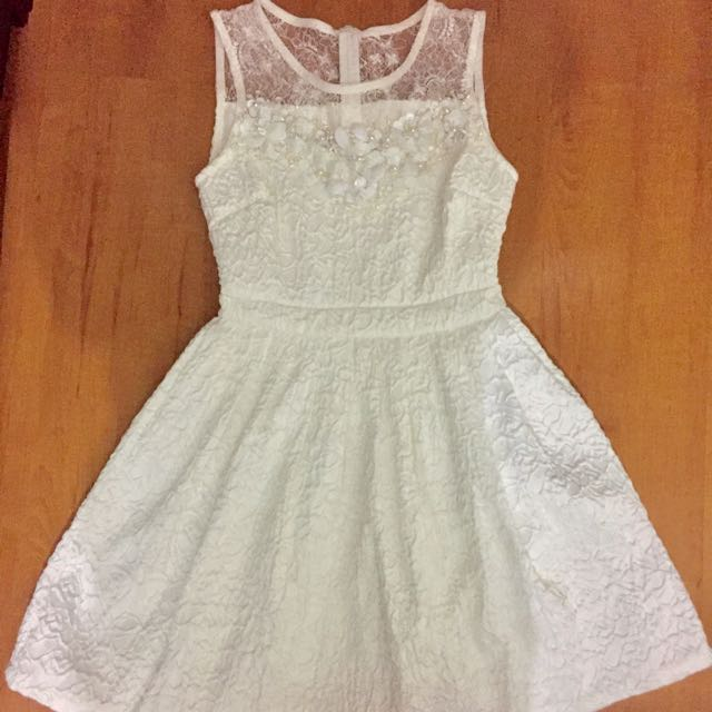 sleeveless white dress  from landmark (Medium Size)
