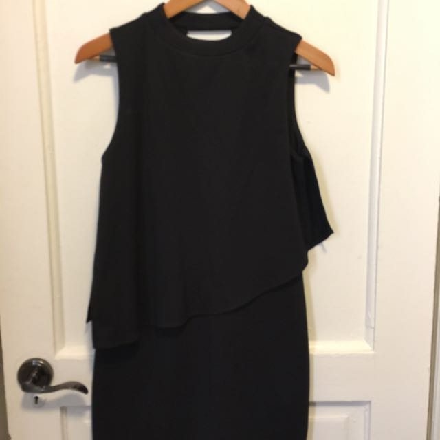 Zara Black Dress (size Small)