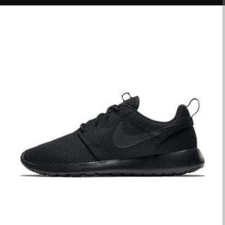Nike Roshe Triple Black