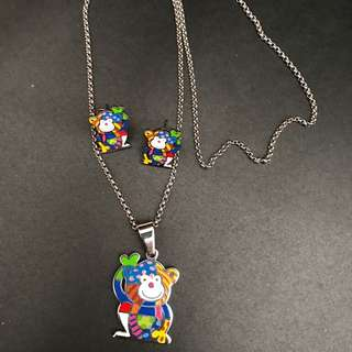 STAINLESS MONKEY EARINGS AND NECKLACE