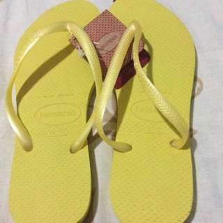 Havaianas Plain Yellow Size 6
