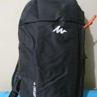 Orig Brand New Quechua Decathlon 10-Liter Day Hiking Backpack