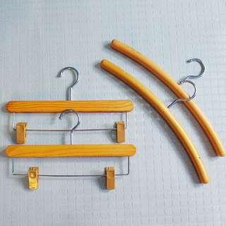 Wooden Series 2 Hangers