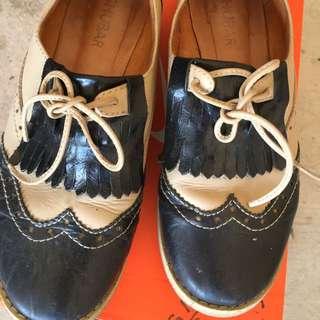Shubar Shoes
