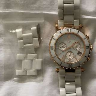 Guess Collection White Ceramic And Rose Gold Watch