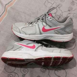 Authentic Nike Dart 10