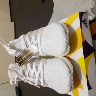 Triple White Ultra Boost 3.0 Us8 (Can fit 8.5)