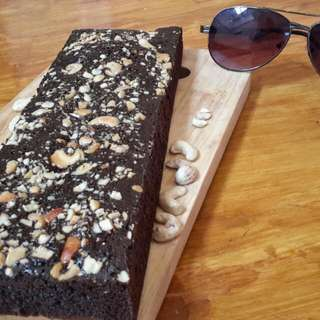 Black Melted Brownies Cashew Nut