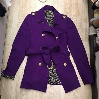 紫色風衣外套