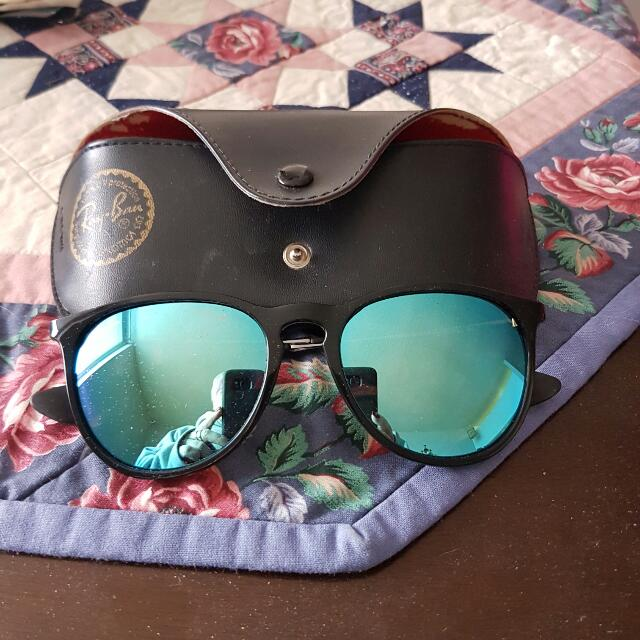 Blue Mirrored Ray Bans