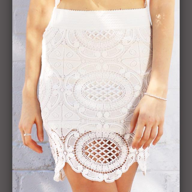 🆕BNWT Interlaced Skirt Size 6
