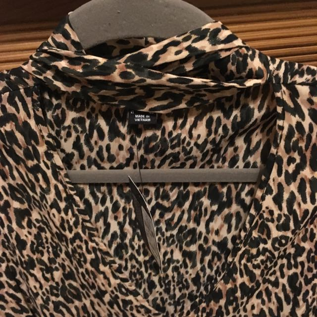 27b7f0abda0ea7 BNWT Primark Choker Style Animal Print Blouse, Women's Fashion ...
