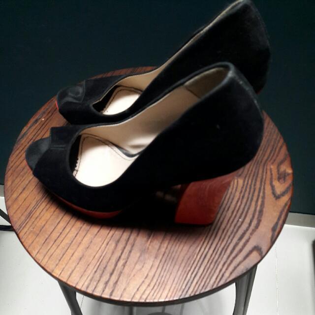 Sepatu Heels Calliope