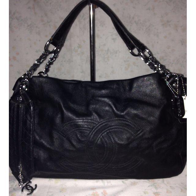 Chanel Tote handbag shoulder bag lv