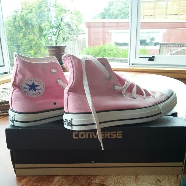 Converse Chuck Taylors pink