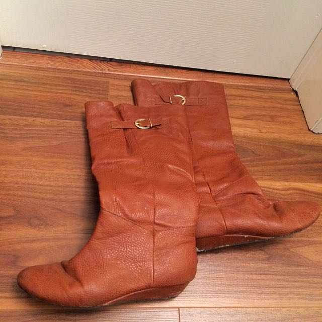 Globo Brown Pleather Boots - Size 7.5