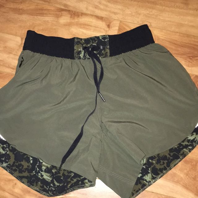 Lulu Size 4 Shorts