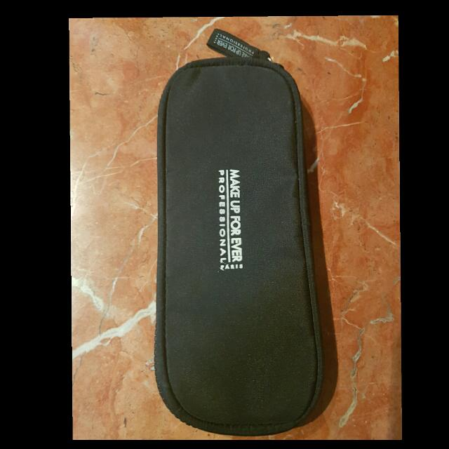 SALE!!MAKEUP FOREVER Pouch Brush