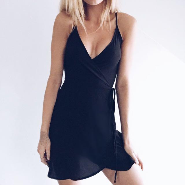 MY GIRL BLACK WRAP DRESS SIZE 8