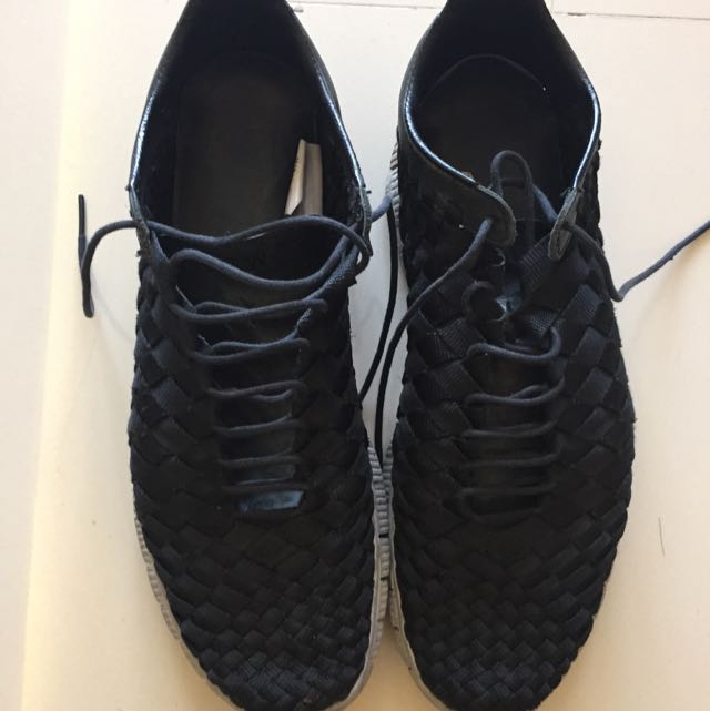 Nike Sneakers (Authentic)